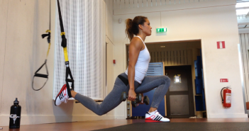 TRX Single Leg Lunge with Hop pratimo atlikimas